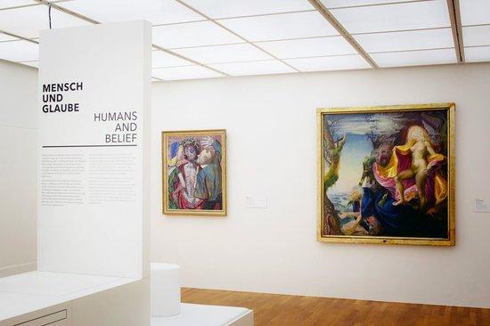 Technik und Kunst - Mensch und Glaube ©Zeppelin Museum Friedrichshafen, Foto - Myrzik