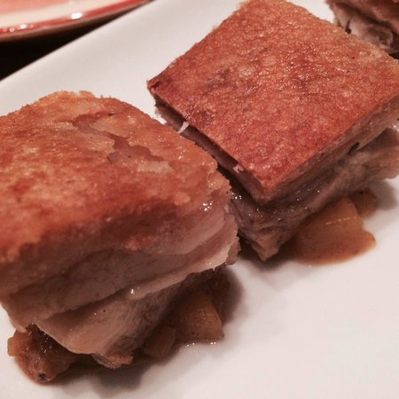 El Burro: Yummy pork belly.. The crackles, delish! Needed a bit more sauce though