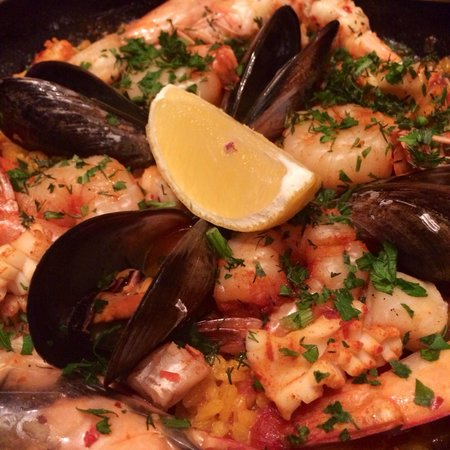 El Burro: Seafood Paella - one of the best I've ever had!