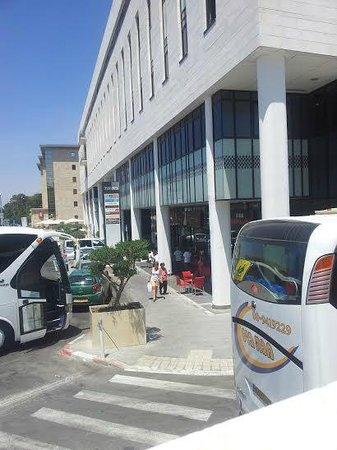 Eden Jerusalem Hotel: New commercial center close to Eden Hotel
