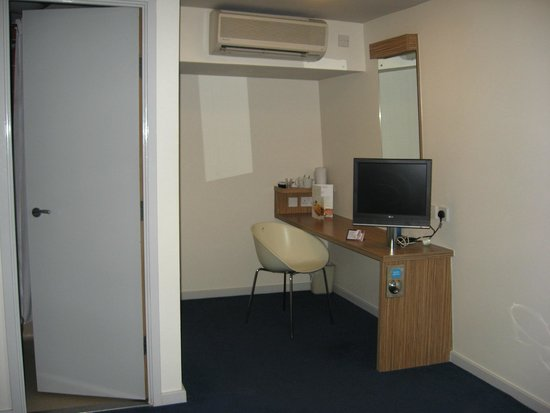 Travelodge London Central Euston: Room 317 showing TV