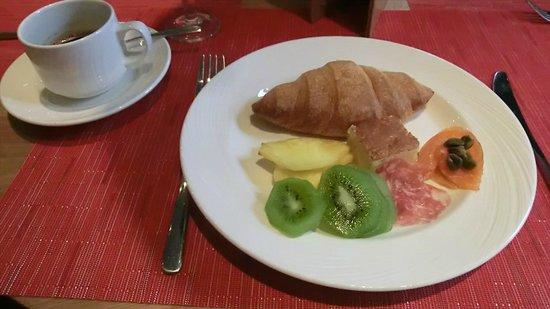 "IBEROSTAR Grand Hotel Budapest: ""I'm Here"", breakfast"