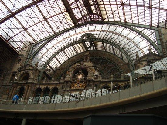Central Station: estacion de trenes de Amberes