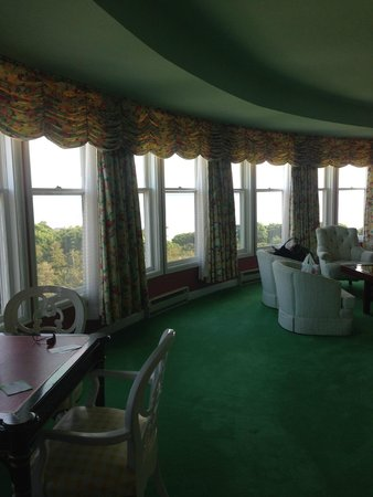 Grand Hotel: the Woodfill Suite