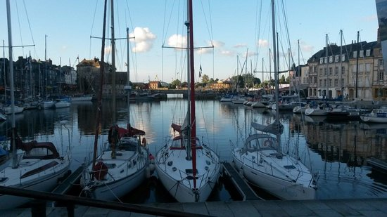 Le Vieux Bassin : Port de honfleur