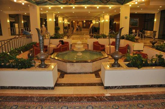 Hotel Ozkaymak Incekum: При входе в отель