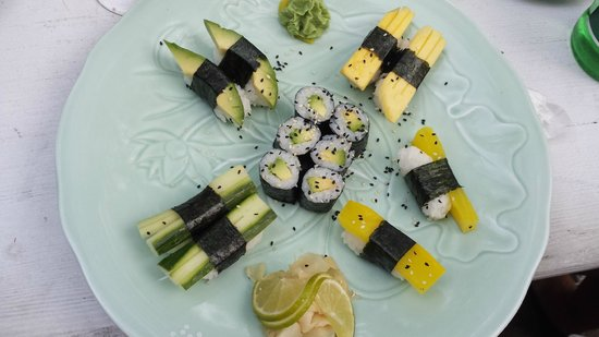 Dots - experimental Sushi: Vegetarian Set