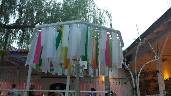 Dots - experimental Sushi : Innenhof