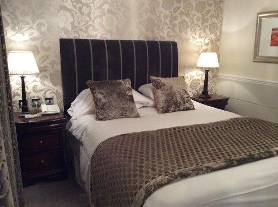 Belmore Hotel: Alcoba suite