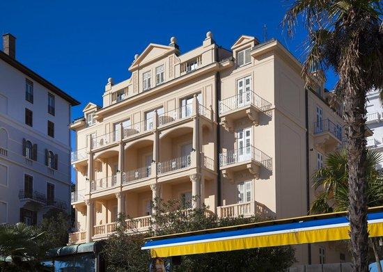 Smart Selection Hotel Lungomare Opatija: Residenz building