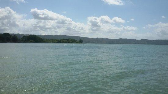 Hotel Kursaal Umbria : озеро Тразимено