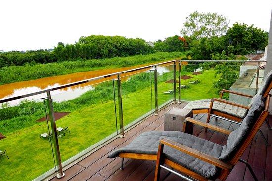 Zensala Riverpark Resort: วิวนอกห้องมองเห็นแม่น้ำปิงได้อย่างชัดเจน