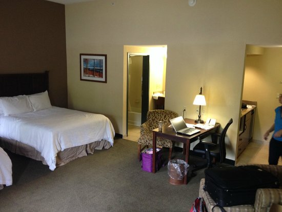 Hampton Inn & Suites Lake George : Chambre-suite, photo3