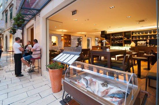 Marshal Restaurant