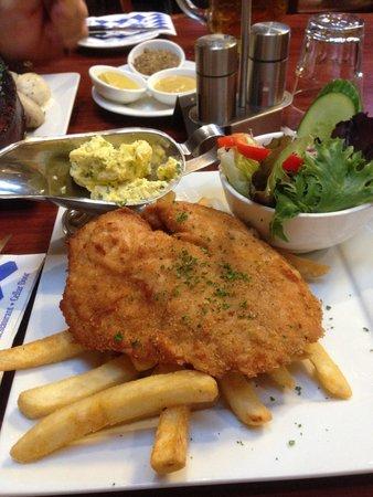 The Hahndorf Inn: Traditional Chicken Schnitzel