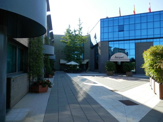 Bagnatica Italy  city photo : avviso Picture of Airport Hotel Bergamo, Bagnatica TripAdvisor