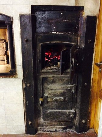 Nenu the Artisan Baker: Wood fired oven