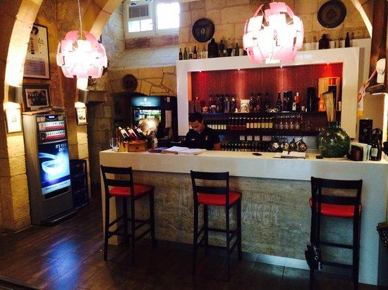 Nenu the Artisan Baker: Bar
