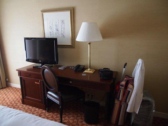 Renaissance Paris La Defense Hotel : Renessaince Paris La Defense Hotel