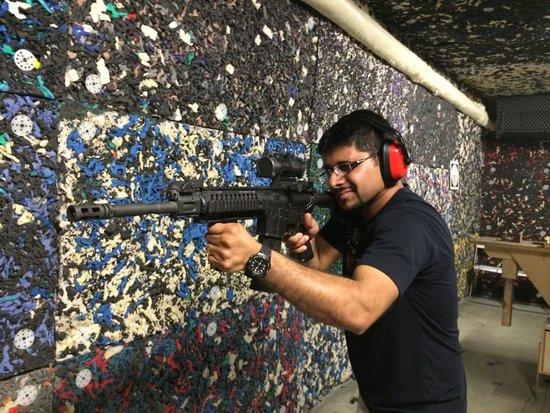 Celeritas Shooting Club: Colt M4A1