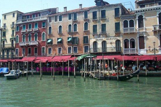 Quality Hotel Delfino Venezia Mestre: Hermoso lugar para pasar dos dias en una recorrida europea