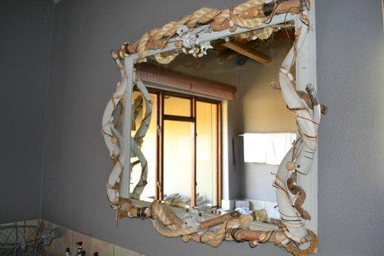 Motswari Private Game Reserve: mirror with stylish design