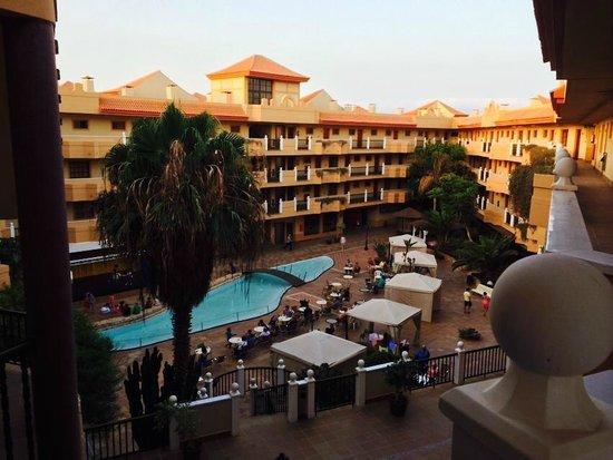 Elba Castillo San Jorge & Antigua Suite Hotel : Entertainment/Bars area