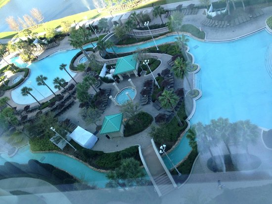 Hilton Orlando Bonnet Creek: View of the pool area from our room