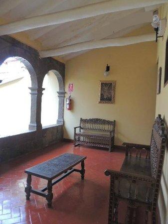 Cusco Plaza Nazarenas: Living Room/ Sala de descanso del 1er Patio