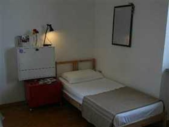 Villa Michelina Youth Hostel : Camera tripla