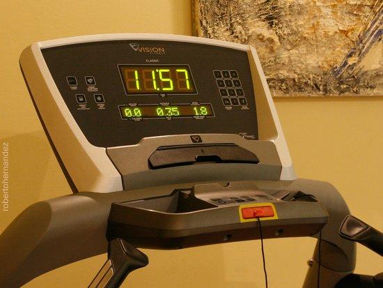 Hotel Arrahona: Gym