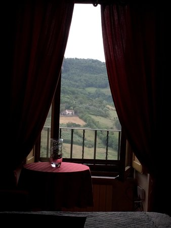 B&B Ripa Medici Rooms with a View : The view is spectacular!  Skip Tuscany, go to Umbria!