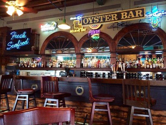 Ralph & Kacoo's: The bar.