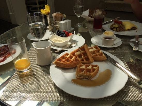 The Jefferson, Washington DC: breakfast at the greenhouse