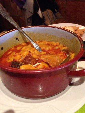 Sidreria Vegaredonda: Fabada de menú= 2 platos llenos