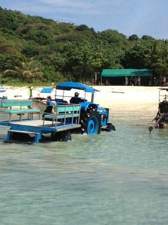 Phi Phi Island Village Beach Resort : Tractor that takes u from the pick up to the boat #1