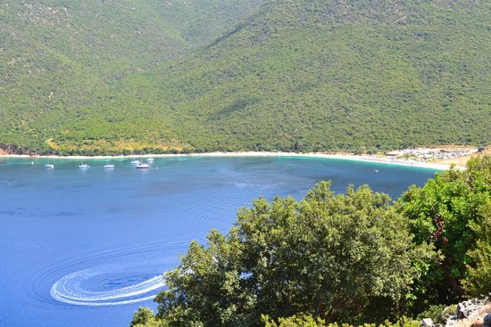 Antisamos Beach: Antisamos from the road above