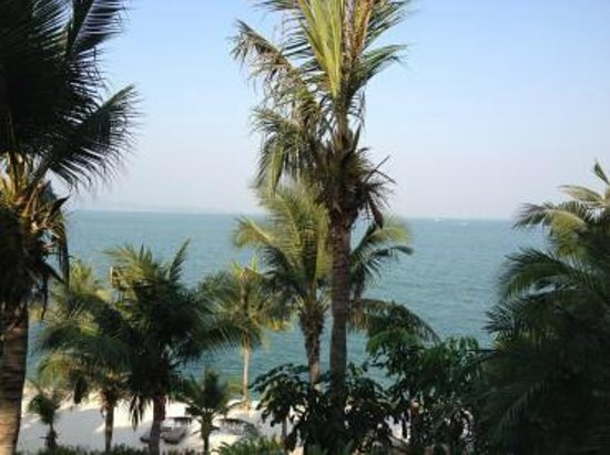 InterContinental Pattaya Resort : オーシャンフロントですので建物に遮られることがない