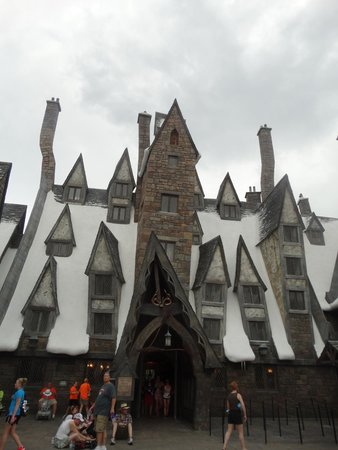 The Wizarding World of Harry Potter: Hogsmead