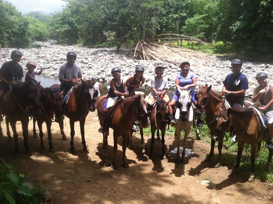 Carabali Rainforest Park: Horseback riding