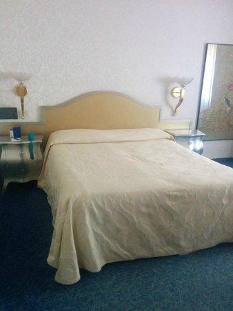 Amadeus Hotel: Doppelbett
