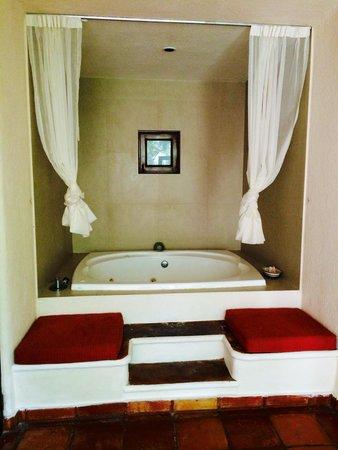 La Tortuga Hotel & Spa: Our outdoor spa- room 202