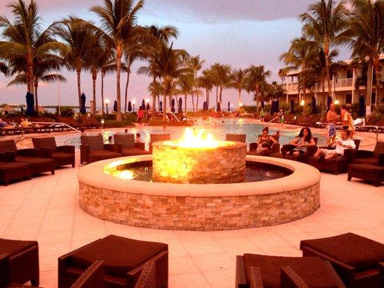 Hawks Cay Resort : Night time