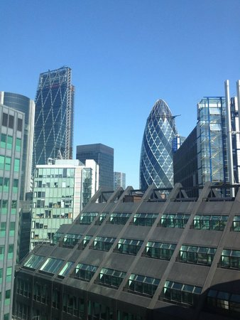 DoubleTree by Hilton Hotel London -Tower of London: View from Room 10th FL