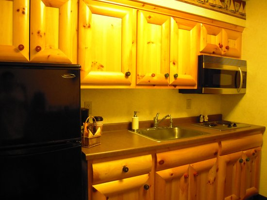 Stoney Creek Hotel & Conference Center - La Crosse: kitchen