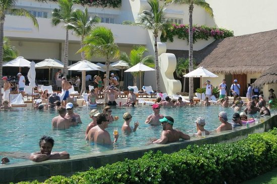 Grand Velas Riviera Maya: The 'relaxing' grand class pool