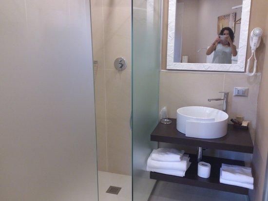 Orcagna Hotel: baño