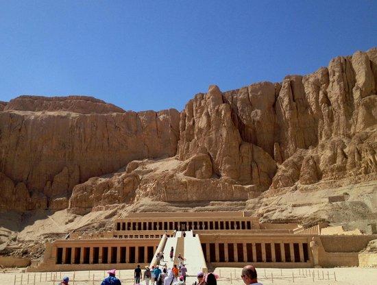 Totentempel der Hatschepsut im Deir-el-Bahari-Tal: На пути к Храму
