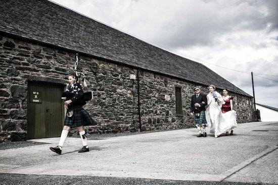 Ardbeg Distillery : Bride's walk from SeaView Cottage