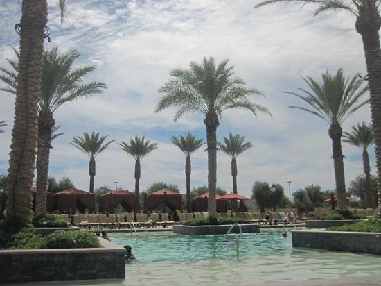 Casino Del Sol: View at pool